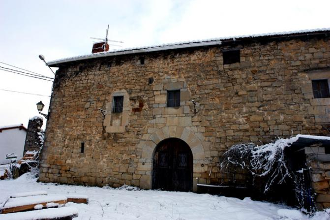 Casa de piedra zarrantz navarra - Casa de piedra porcuna ...