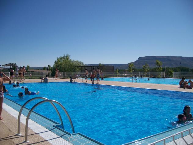 Piscina municipal salas de los infantes for Donde esta la piscina del diablo