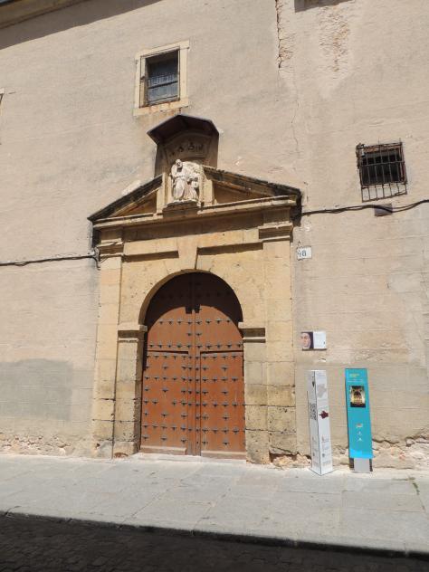 Puerta del convento de las carmelitas descalzas segovia - Puerta de segovia ...