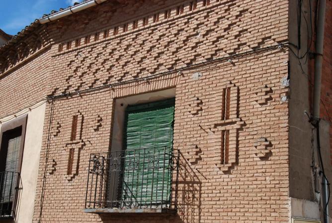 Fachada de ladrillo hita for Fachadas de ladrillo rustico