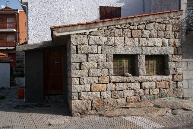 Casa de piedra mataelpino - Casa de piedra porcuna ...