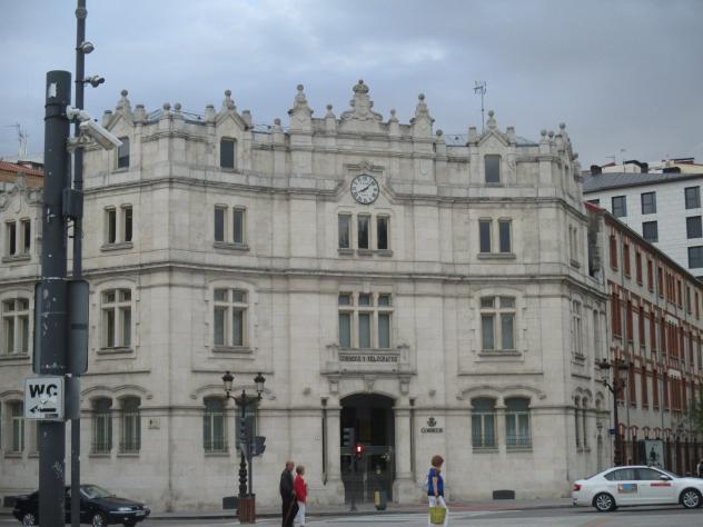 Edificio de correos burgos for Oficinas de correos en burgos