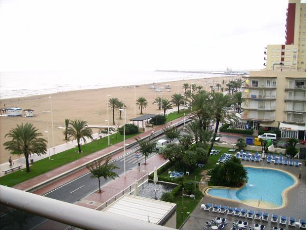 La Playa O La Piscina Gandia