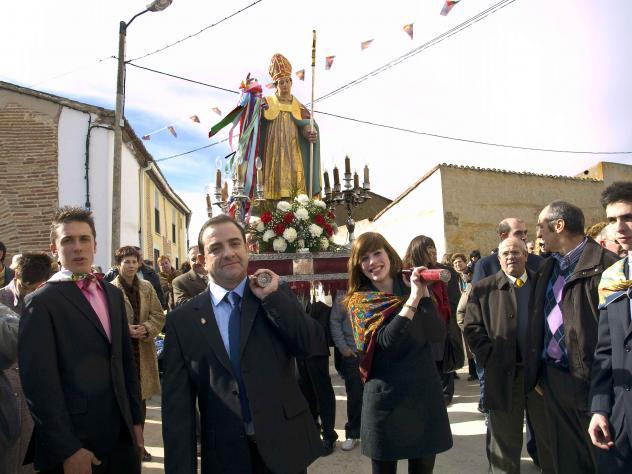 Bruno y mar a portando a san blas bercial de zapardiel - Maria y bruno ...