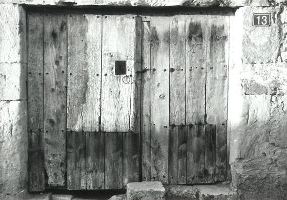 Puertas viejas espino de la orbada for Imagenes de puertas viejas