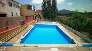 Piscinas municipales tabuenca for Piscina municipal zaragoza