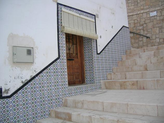 Fachada con azulejos alicante alacant for Fachadas con azulejo