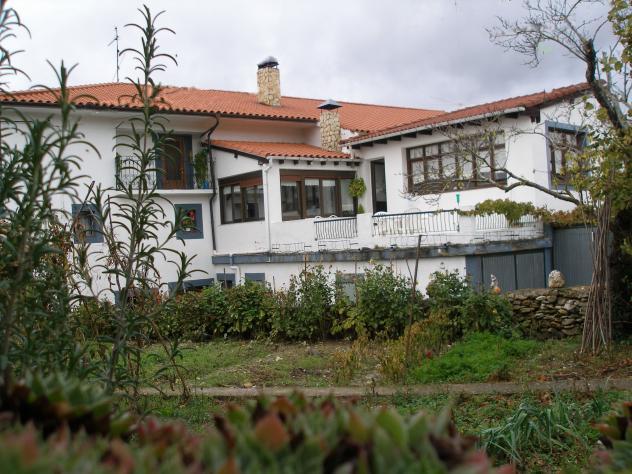Bonita casa con jard n villalacre for Jardin villa bonita culiacan