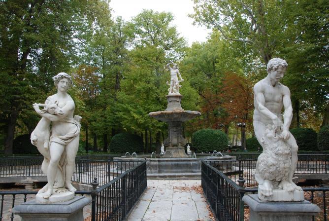 Esculturas en el jard n aranjuez for Esculturas en jardines