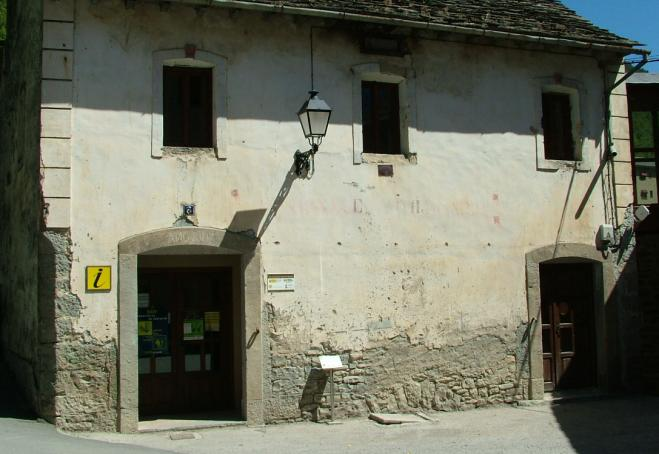 Oficina de turismo fiscal huesca for Oficina de turismo huesca