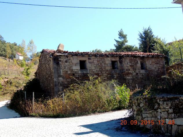Casa en mal estado y abandonada villanueva de henares for Casa elegante en mal estado
