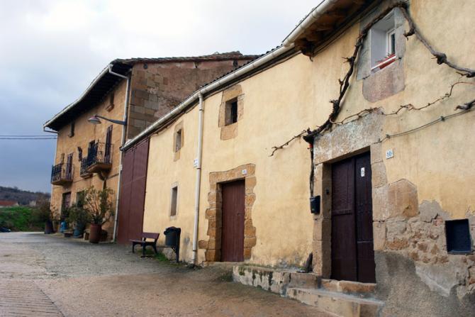 Casas del valle lorca navarra - Casas montornes del valles ...