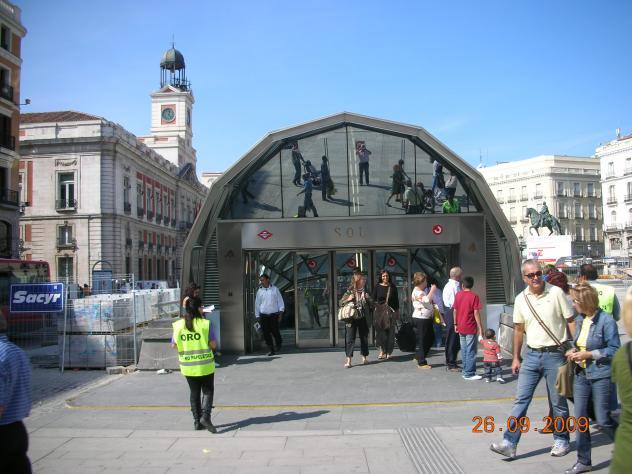 Puerta del sol acceso al metro madrid for Puerta del sol madrid mapa