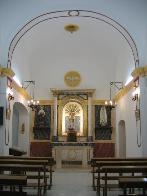 Interior de la parroquia derramador for Hoteles interior alicante