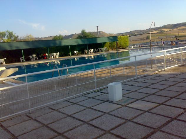 La piscina cevico de la torre for Piscinas palencia