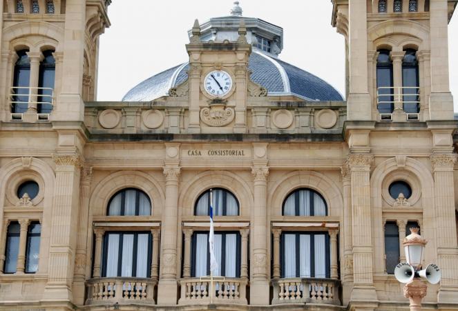 Balcones de la casa consistorial san sebastian donostia - El tiempo para manana en san sebastian guipuzcoa ...