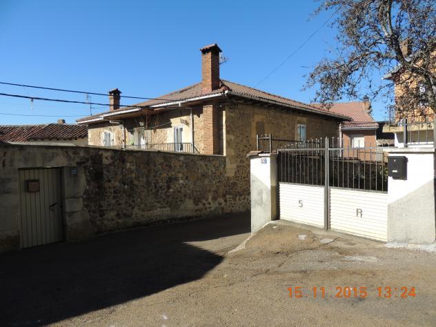 Casa antigua modernizada con fachada interior villalba de - Casas en guardo ...