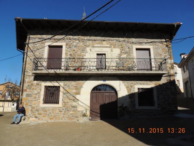 Casa de piedra con portalada villalba de guardo - Casas en guardo ...