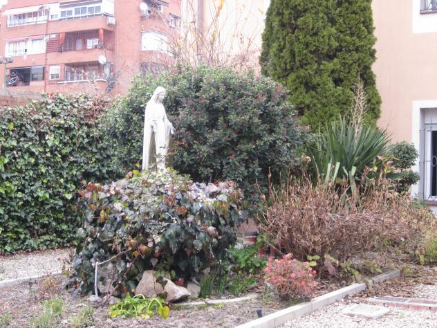 Jardines de residencia de monjas en carabanchel madrid for Residencia el jardin madrid