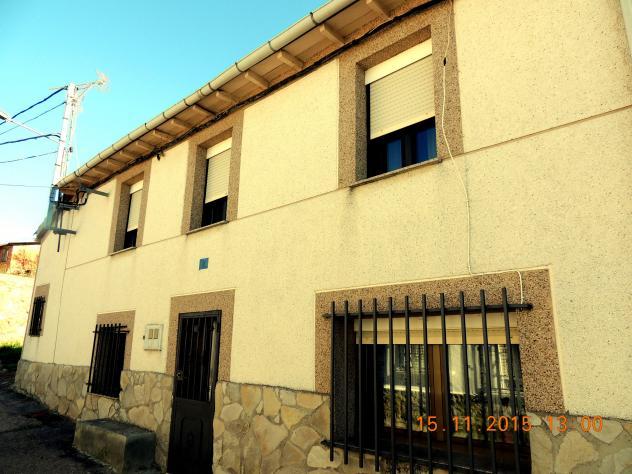Casa de corrales con bajo piedra pegada villalba de guardo - Casas en guardo ...