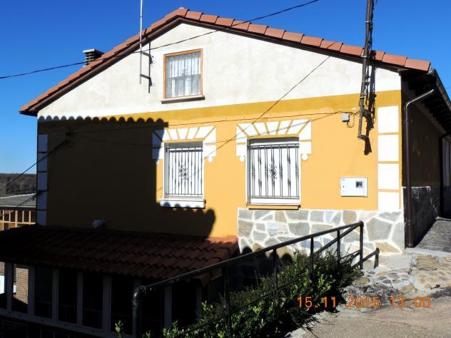 Casa con el mismo tipo de bajo de piedra pegada villalba - Casas en guardo ...