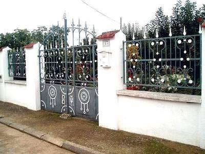 Puertas y verjas de un jard n cabrillas - Verjas para jardin ...