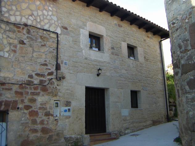 Casa rehabilitada piedra y madera torrelara - Casas piedra y madera ...