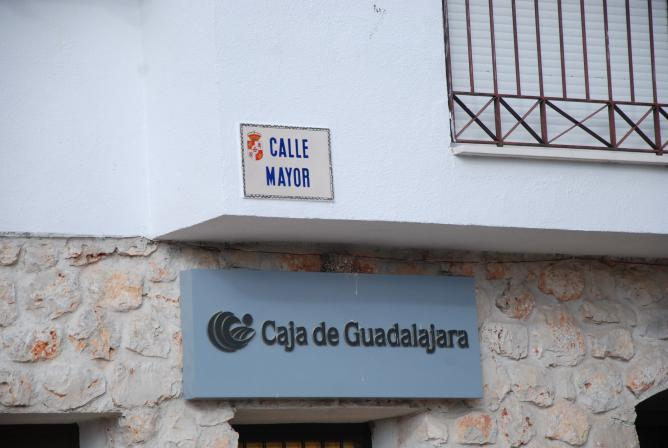 Oficina de la caja hueva for Caja de cataluna oficinas