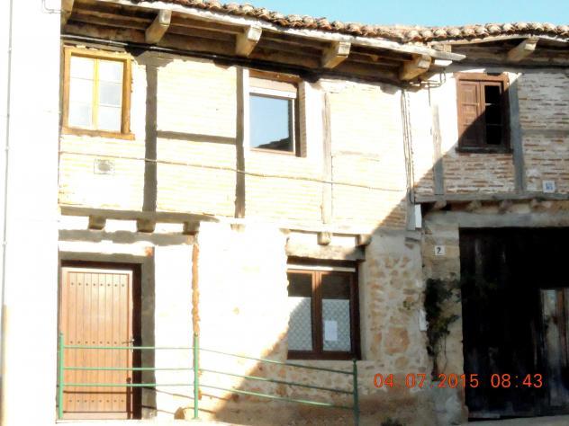 Casa con estructura de ladrillo y madera pradanos de ojeda - Estructura casa de madera ...