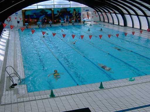 De la vega piscina cubierta churriana de la vega for Piscinas cubiertas granada