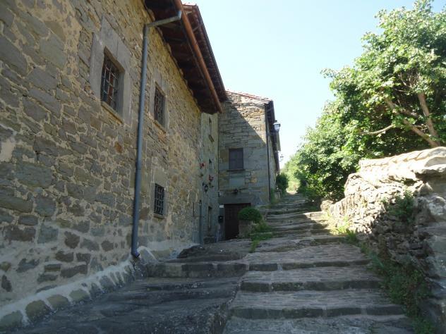Escalera de piedra rupit barcelona - Escalones de piedra ...