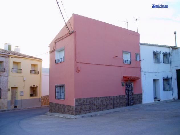 La casa rosa loranca del campo for La casa rosa milano
