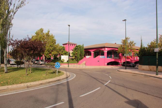 Centro comercial montecanal zaragoza for Dormir en zaragoza centro