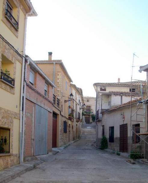 Casas y calles del pueblo milmarcos - Casas de pueblo en guadalajara ...