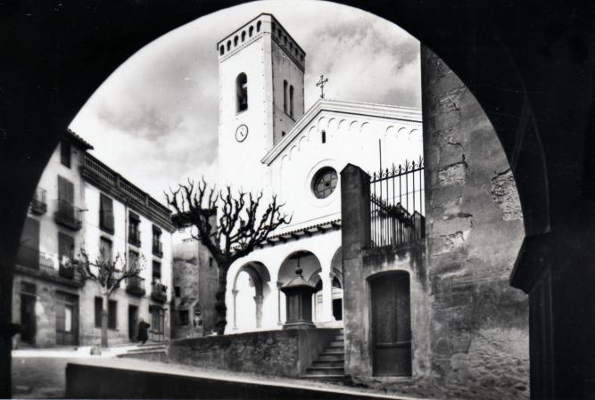 Iglesia y soportales del ayuntamiento sant quirze de besora - El tiempo en sant quirze ...
