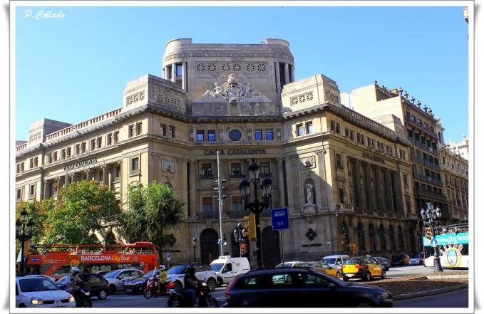 Edificio de caixa catalunya barcelona for Caixa catalunya oficinas en madrid