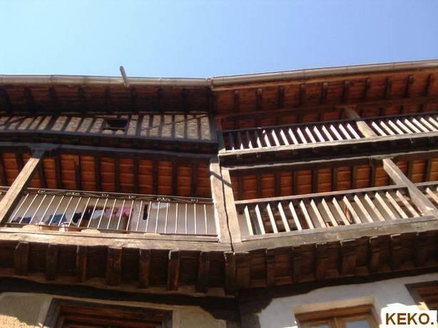 Ngulo de balcones en madera la alberca - Angulos de madera ...