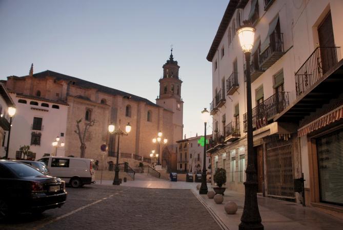Iglesia mayor y su plaza baza granada - Baza granada fotos ...