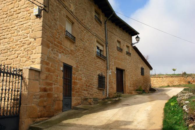 Casa de piedra zurucuain - Casa de piedra porcuna ...