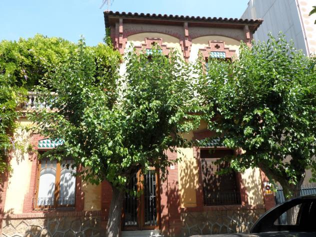 El modernismo en la casa f brega molins de rei - Casa en molins de rei ...