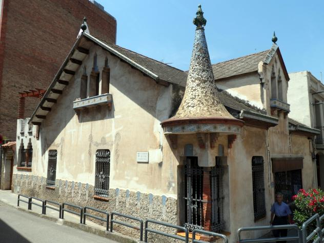 Casa modernista josep mas molins de rei - Casa en molins de rei ...