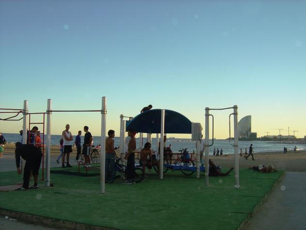 Gimnasio en la playa barcelona for Gimnasio barcelona